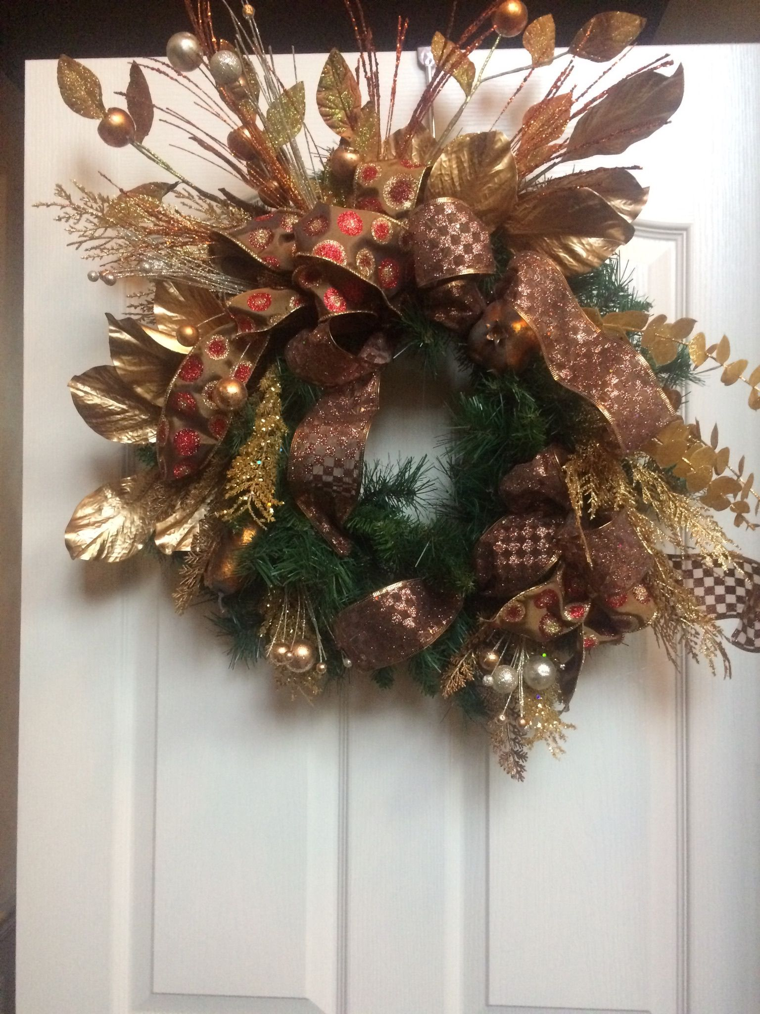 reef brown gold decor